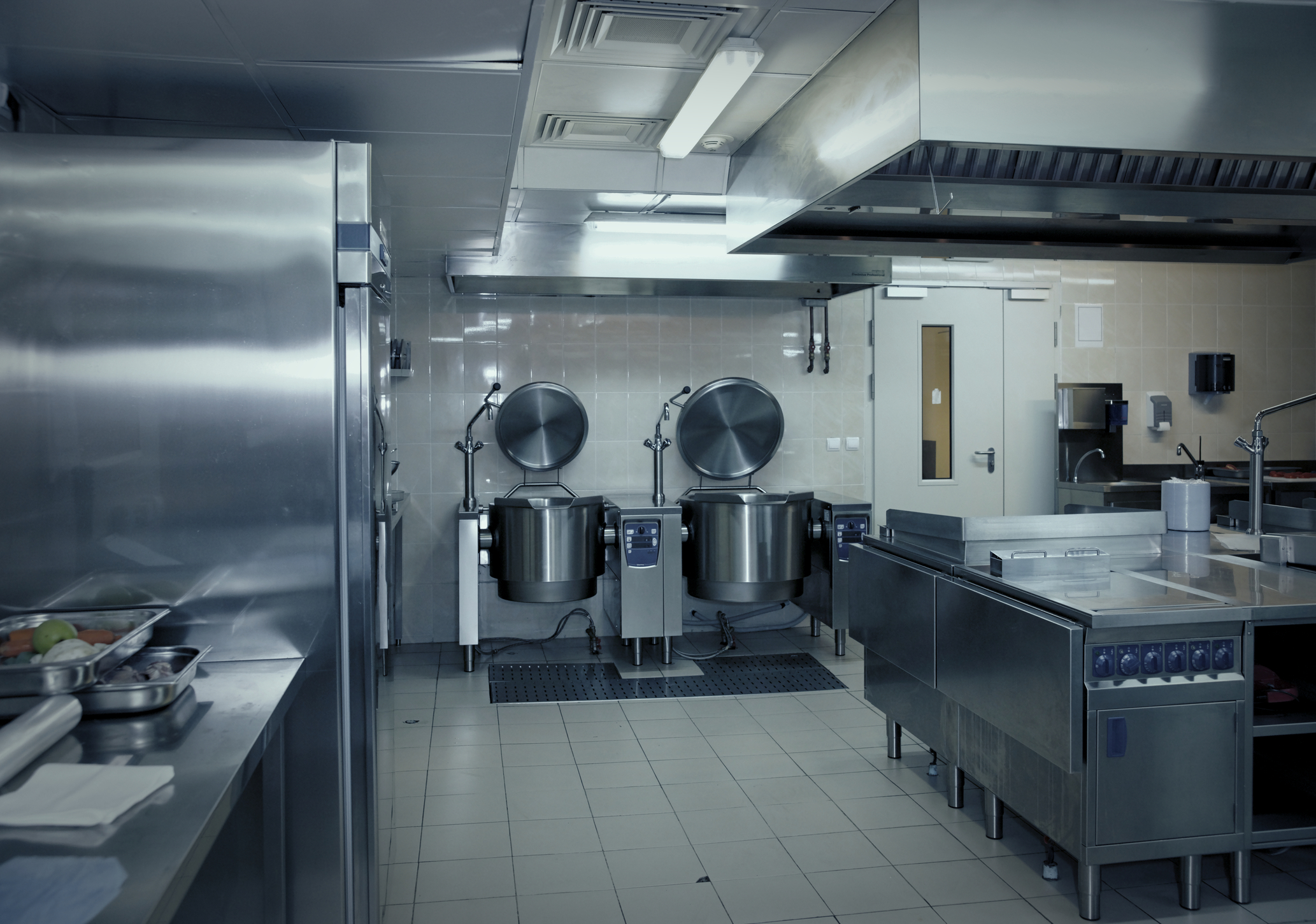 High quality kitchen equipment 5 important things to for Best commercial kitchen designs