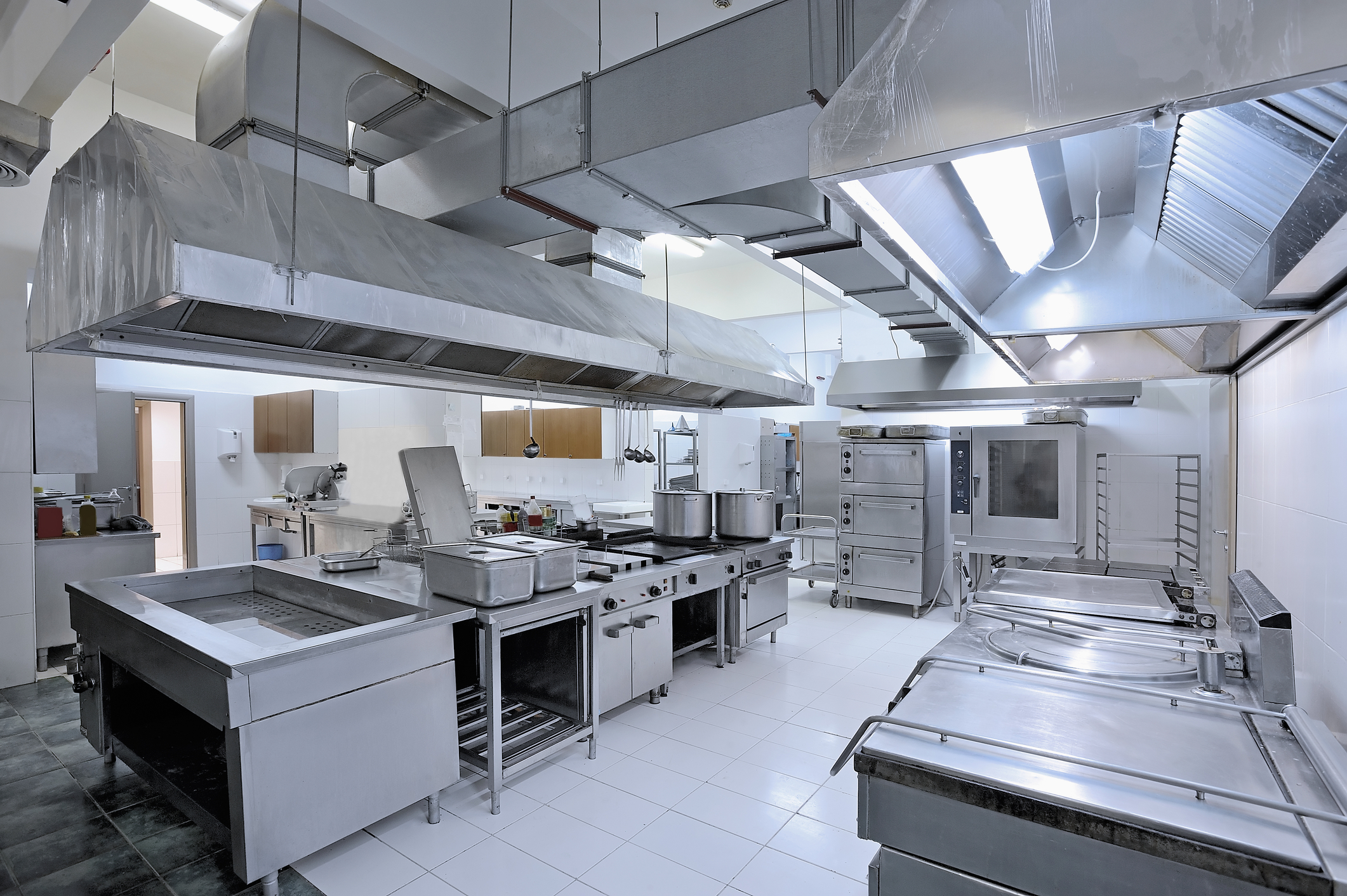 Commercial kitchen design best 5 important things you - Professional kitchen designs ...